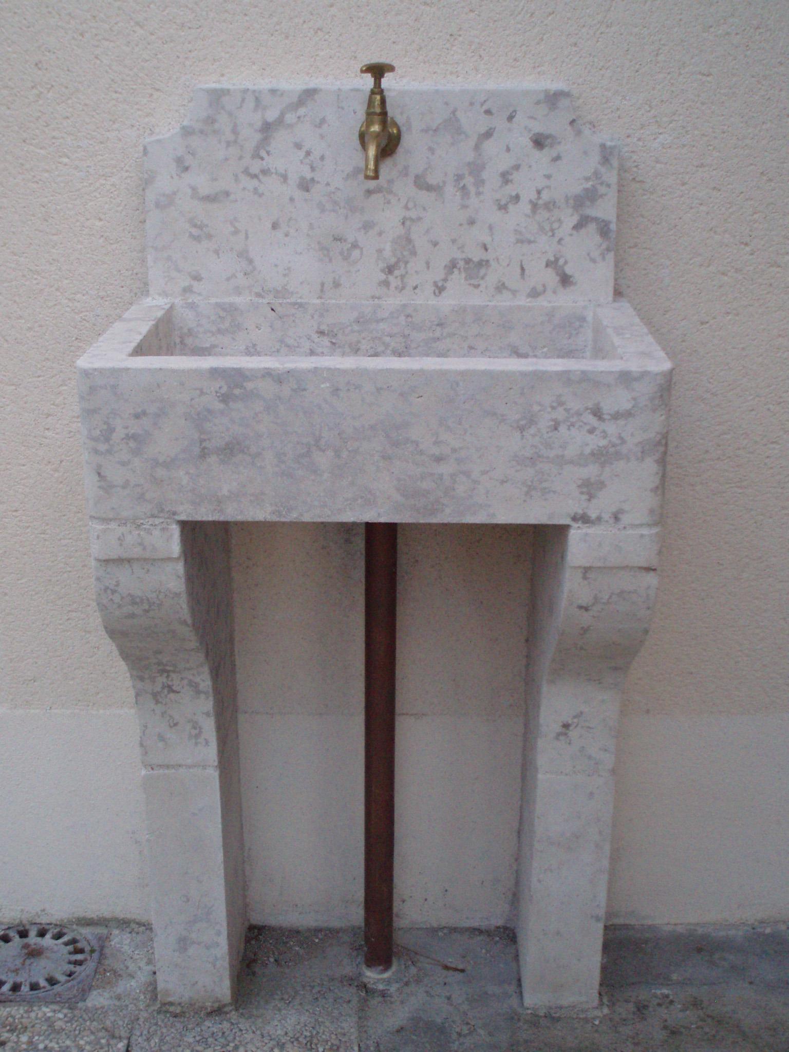 Evier extérieur pierre de Bourgogne-Samson_laurent_tailleur de pierre_Bourges