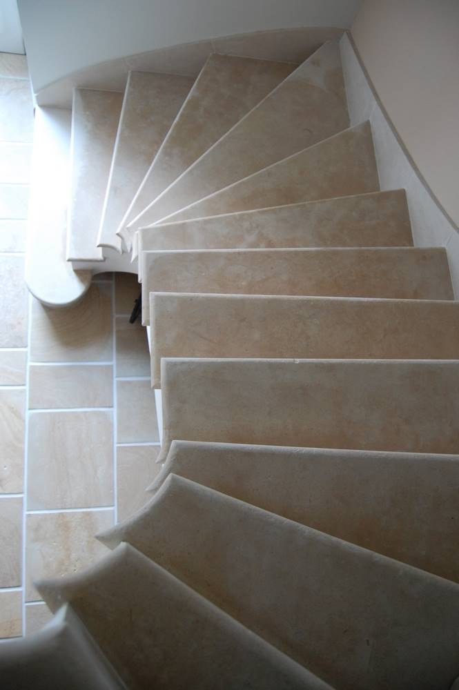 escalier voute sarrasinne pierre de la celle.tailleur-de-pierre-laurent-samson-DSC_1015