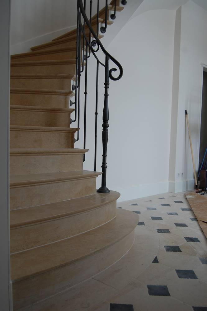 escalier voute sarrasinne marches de 5 cm.tailleur-de-pierre-laurent-samson-DSC_1066