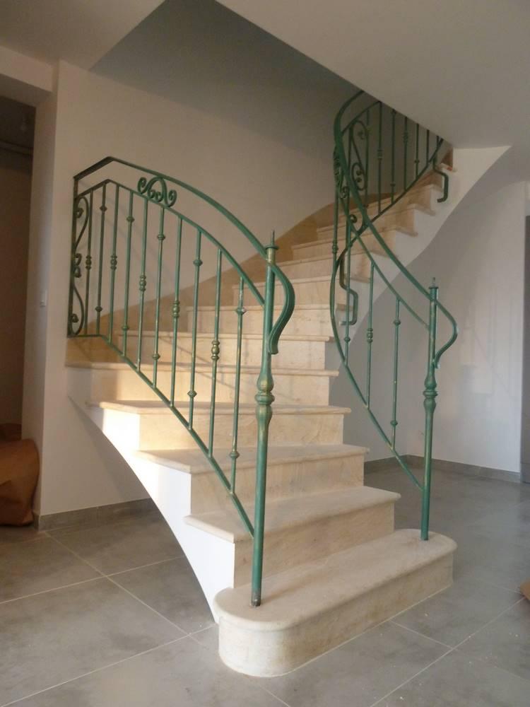 escalier voute sarrasinne première volée dans le vide.tailleur-de-pierre-laurent-samson-P1000977