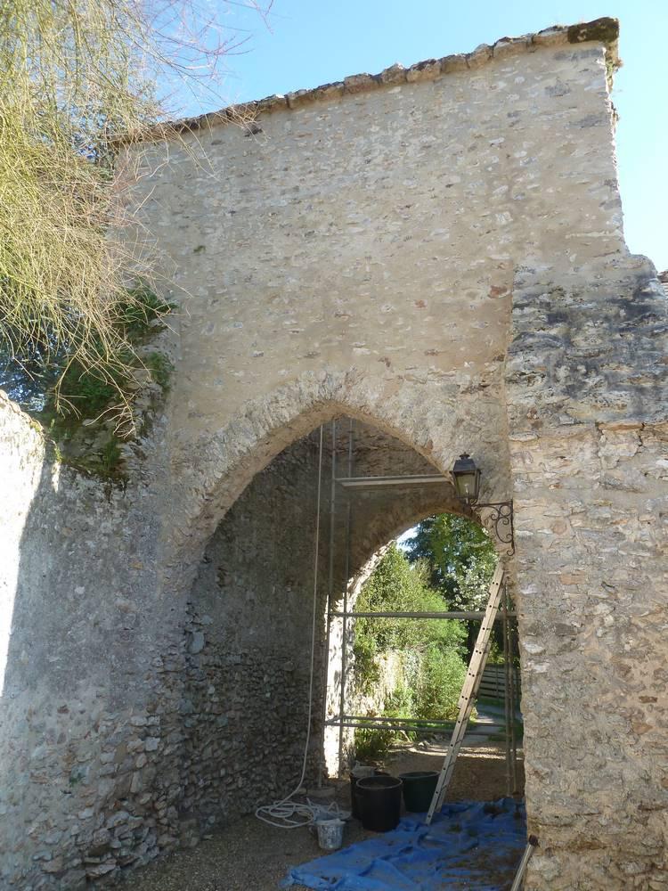 Restauration porche d'entrée XIè siècle-Samson laurent tailleur de pierre Bourges et environ