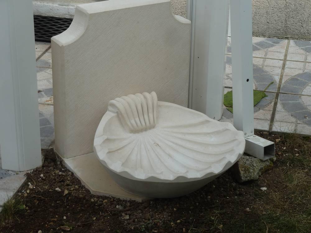 Fontaine coquille pierre de Combebrune-tailleur-de-pierre-laurent-samson-